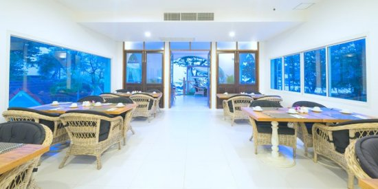 lomadivingkhaolak_lomadivingkhaolakocean-breeze-resortbreakfast-room.jpg